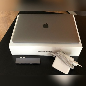 "Macbook Pro 13"" 2019 8GB RAM 256GB + USB HUB GWAR"