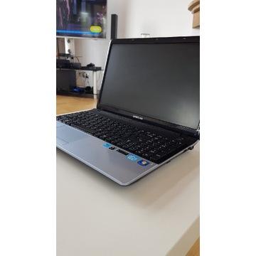 Laptop Samsung i3 256GB SSD 8GB RAM WIN 10