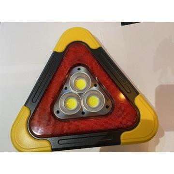 Trójkąt ostrzegawczy akumulatorowy solarny latark