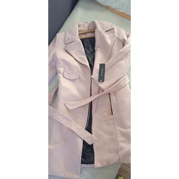 Nowy  z metką płaszcz jesienno-zimowym