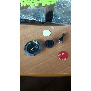 Zegarek podswietlany czarna tarcza chrom nowy