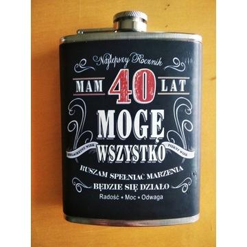Piersiówka 40 lat prezent retro alkohol
