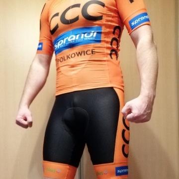 strój kolarski CCC SPRANDI spodenki + koszulka