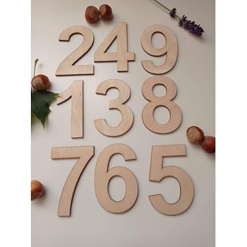 Cyfry z drewna do tablicy manipulacyjnej decoupage