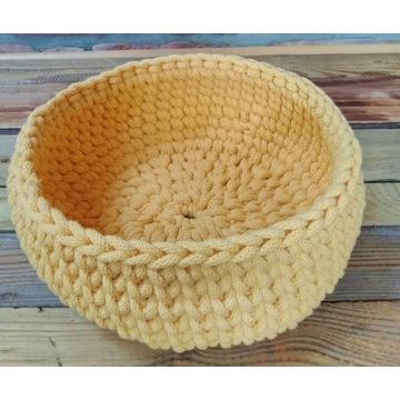 Koszyk ze sznurka bawełnianego, tkany,dziergany