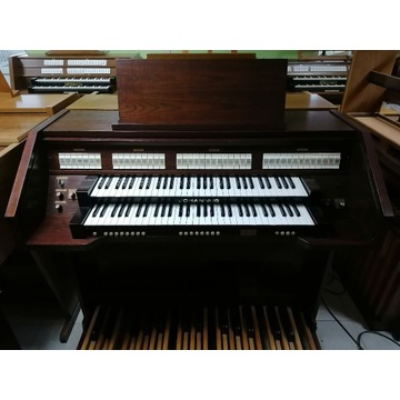 Organy Johannus op.910
