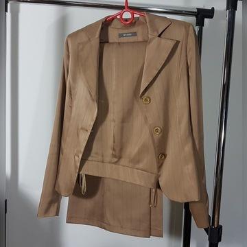 Garnitur damski, żakiet + spodnie, satyna, prążki