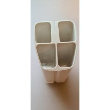 Zasobnik na szczoteczki rotacyjne do zębów Oral B