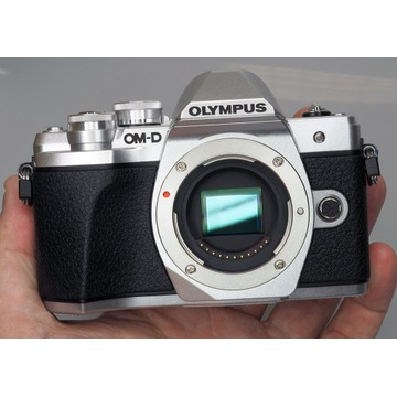 Olympus om-d e-m10 mark III body jak NOWY!