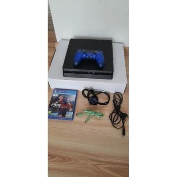 Konsola PlayStation PS4 1TB CUH2216 Pad kable gra