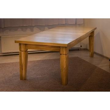 Stół z drewna robinii
