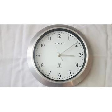 Zegar ścienny sterowany radiem