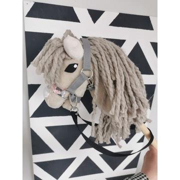 Koń Hobby Horse na kijku + zestaw - Szarlotka