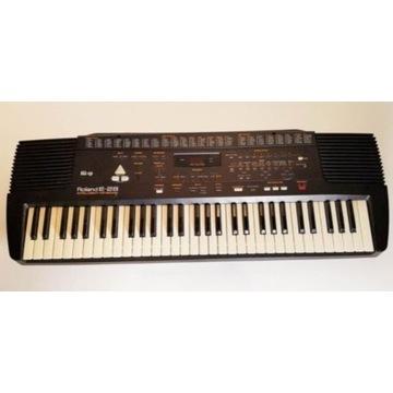 Keyboard Roland E 28
