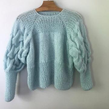 Turkusowy sweter