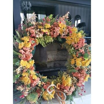 Piękny, jesienny wianek na drzwi