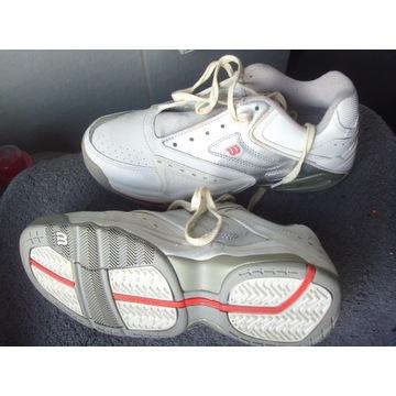 Nowe buty Wilson rozparowane