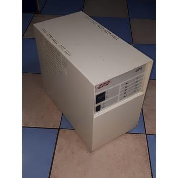 UPS, APC model RT 800 o mocy 1200VA,