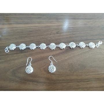 Srebrny komplet biżuterii damskiej.