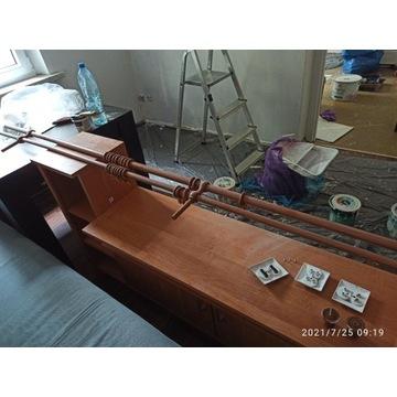Podwójny drewniany karnisz o długości 280cm