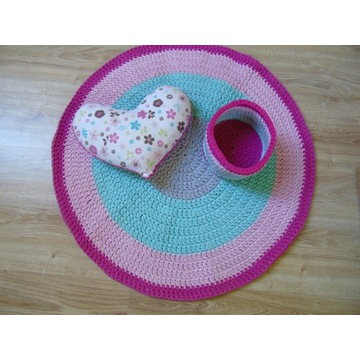 Dywan koszyczek poduszka na szydełku