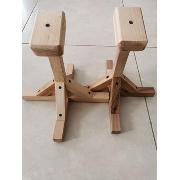 Stojak akrobatyczny, gimnastyczny stanie na rękach