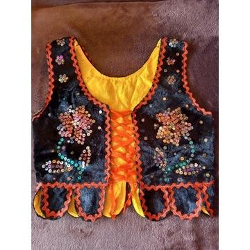 Serdak haftowany dla dziewczynki