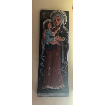 madonna z Dzieciątkiem płaskorzeźba