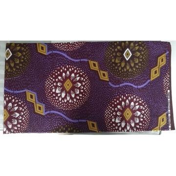 Zwój  tkaniny/materiału z wzorem afrykańskim