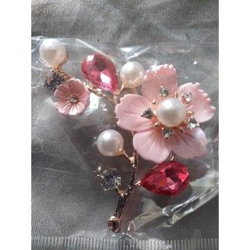 Nowa.Broszka kwiat perłowy CINDY XIANG.