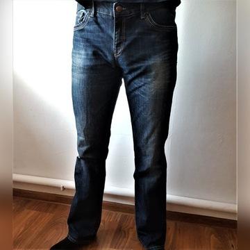 Modne jeansowe spodnie, rozmiar 32/ 34
