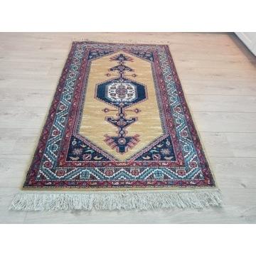 Piękny Perski wełniany ręcznie tkany dywanik