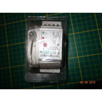 Automat zmierzchowy AZ-B na szynę z czujnikiem