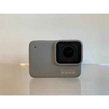 GoPro 7 White plus akcesoria
