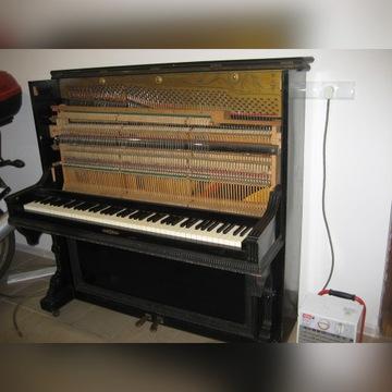 Stare pianino ,płyta mosiężna