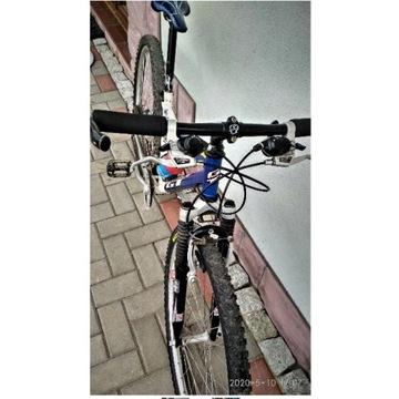 górski rower G T OUDPOST TRAIL USA