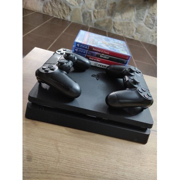 Sony PlayStation 4 Slim 2 pady 4 gry