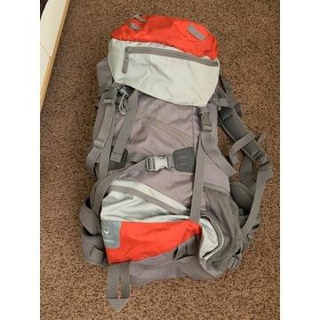 Plecak 70L używany 3 tyg plus pokrowiec i worek