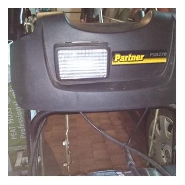 Odśnieżarka spalinowa z napędem PARTNER PSB270