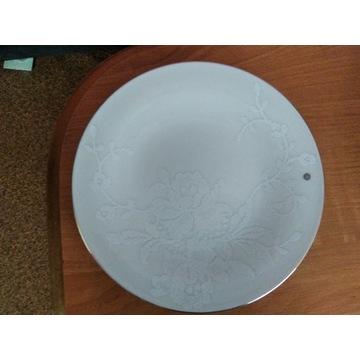 22-częściowa zastawa obiadowa z porcelany Lace