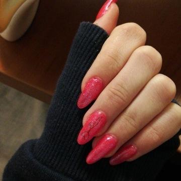 Usługi manicure hybrydowego