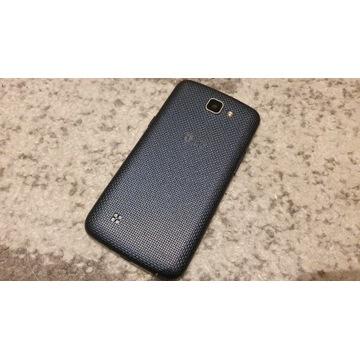 LG K120E smartfon