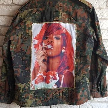 Rihanna, kurtka w stylu militarnym, hand made