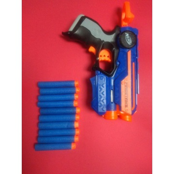 Pistolet NERF FIRESTRIKE plus 10 pocisków