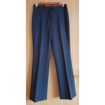 Kostium ze spodniami i spódnicą  molton 40