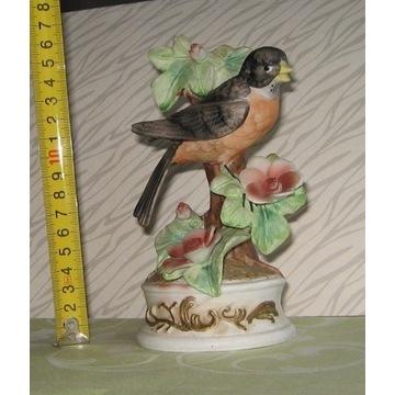 biskwitowa figurka ptaszka