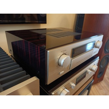 Accuphase C 2800