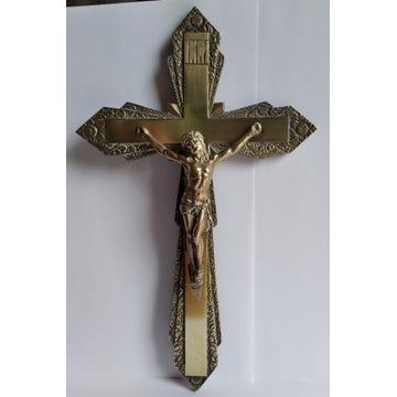 stary mosiężny krzyż wiszący