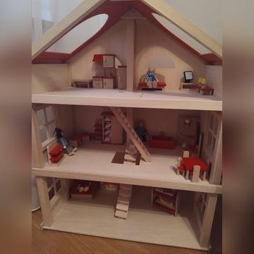 Drewniany domek firmy Goki i akcesoria