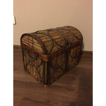kufer, skrzynia ozdobny drewno